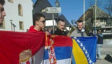 140302_bosnia_united-national-flags-manif-jajce-600x342