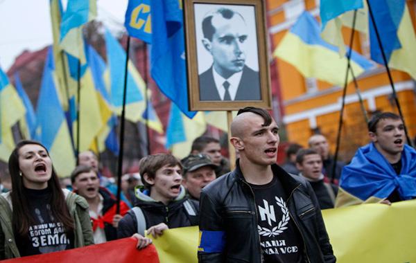 Desfile fascista en Ucrania
