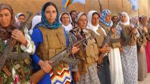 141021 - YPG-Kobane-kadınlar-