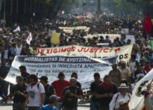 141106-mexico-protestas-x-estudiantes-desaparecidos-04-690x500