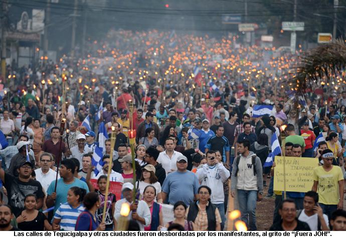 03-xhonduras_fuera-joh-marcha-tegucigalpa-01-690x475